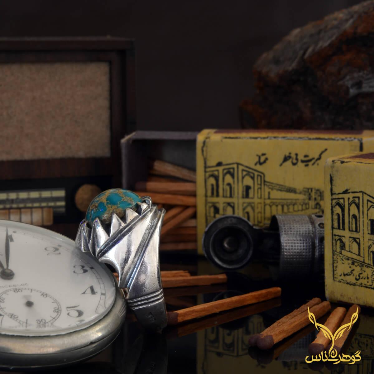 انگشتر انگشتر فیروزه کدEA0012 با رنگ خاص فیروزه نیشابوری و کیفیت باور نکردنی رکاب میتواند یک انتخاب عالی از مجموعه معتبر خرید گوهرشناس باشدفیروزه کدEA009