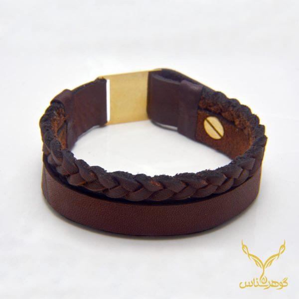 دستبند چرمی کدRD007 دستبند چرم همراه با سنگ یکی از بهترین گزینه ها برای آقایان است.فروشگاه آنلاین گوهرشناس مرکز معتبر خرید جواهرات