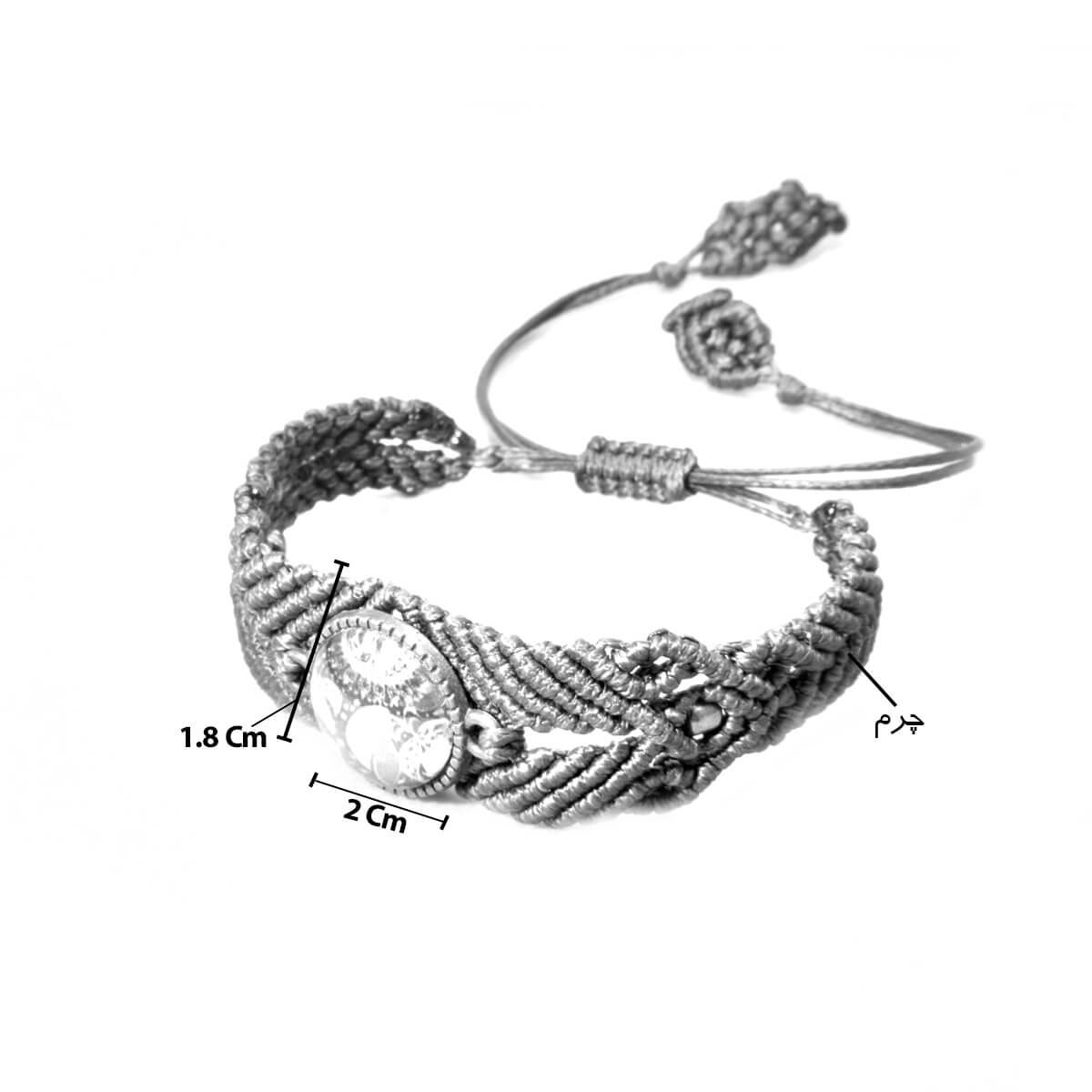 دستبند نخی کدRE001با بافت قوی که دارد میتواند در روزمره شما مورد استفاده قرار گیرد و به شما برای ست کردن آن با لباس های مختلف کمک کند.