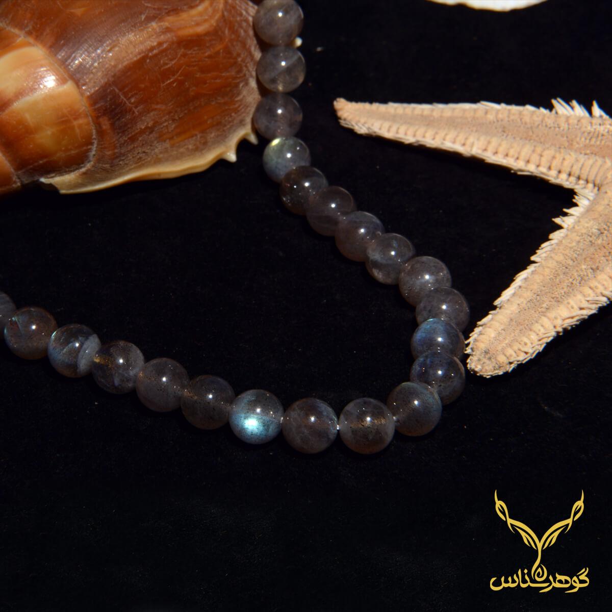 گردنبند سنگ طبیعی کدS004 لابرادوریت یکی از سنگ های بسیار زیبا در زمینه جواهرات به شمار میرود.فروشگاه آنلاین گوهرشناس مرکز معنبر خرید جواهرات